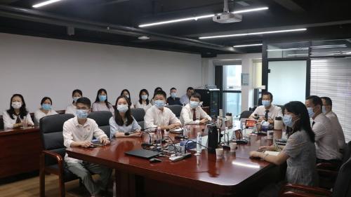 龙华区国资局(集资局)组织全体党员、干部职工集中观看庆祝中国共产党成立100周年大会